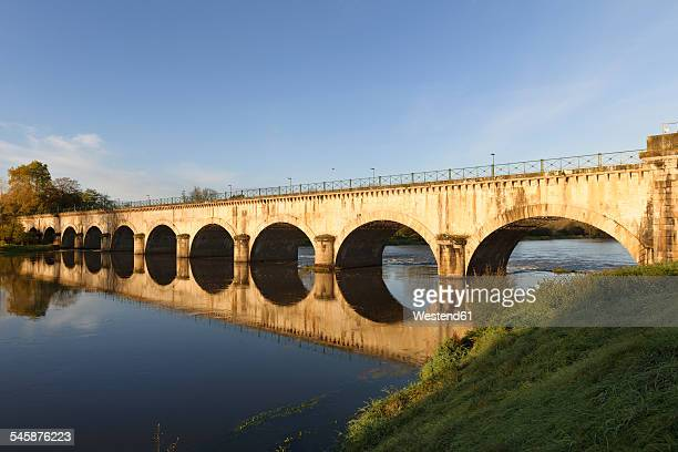 france, burgundy, digoin, canal bridge over river loire - flussufer stock-fotos und bilder