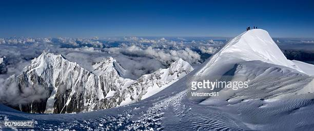 France, Chamonix, mountaineers at Mont Blanc