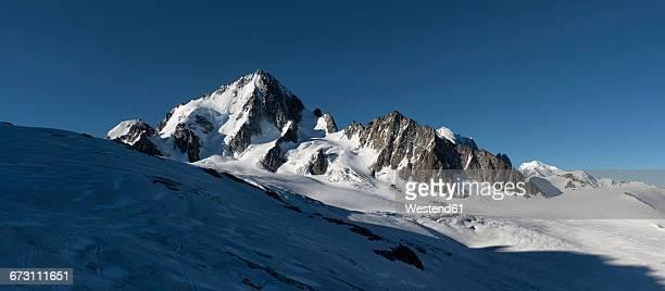 France, Chamonix, Mountaineers at the Aiguille du Chardonnet