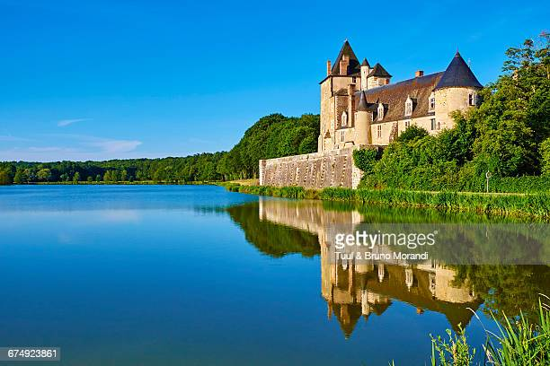 france, cher, la chapelle d'angillon castle - cher stock pictures, royalty-free photos & images