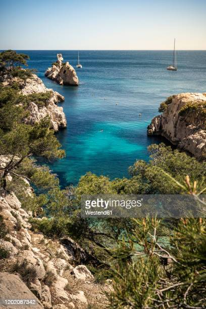france, cote d'azur, calanques national park, chalk cliffs and bays - french riviera stock pictures, royalty-free photos & images