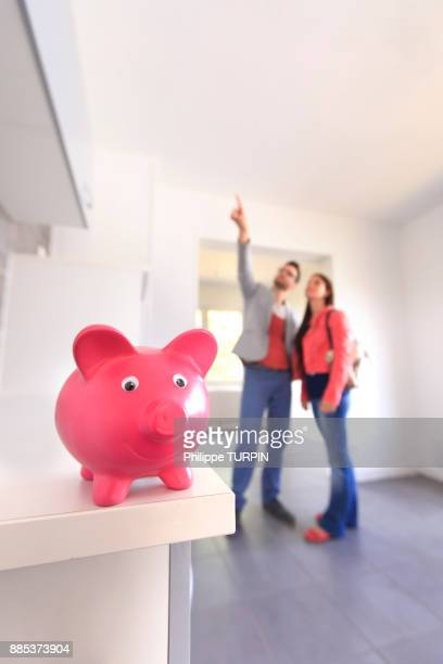 France, couple in search for a housing.