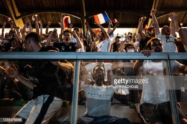 France football supporters react during the UEFA EURO 2020 Group F football match in Munich, between France and Germany, on June 15 in the Bron...