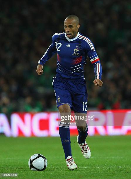 France forward Thierry Henry races towards goal during the FIFA 2010 World Cup Qualifier play off first leg between Republic of Ireland and France at...
