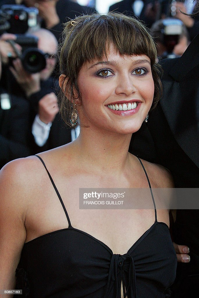 French actress Emma de Caunes arrives for the official screening of the film 'The Motorcycle Diaries', 19 May 2004, at the Cannes Film Festival in the French Riviera town. The film, which is in competition for the festival's coveted top prize, the Palme d'Or, tells the tale of Ernesto 'Che' Guevara and his Cuban traveling companion Alberto Granado's journey across Latin America fifty years ago.