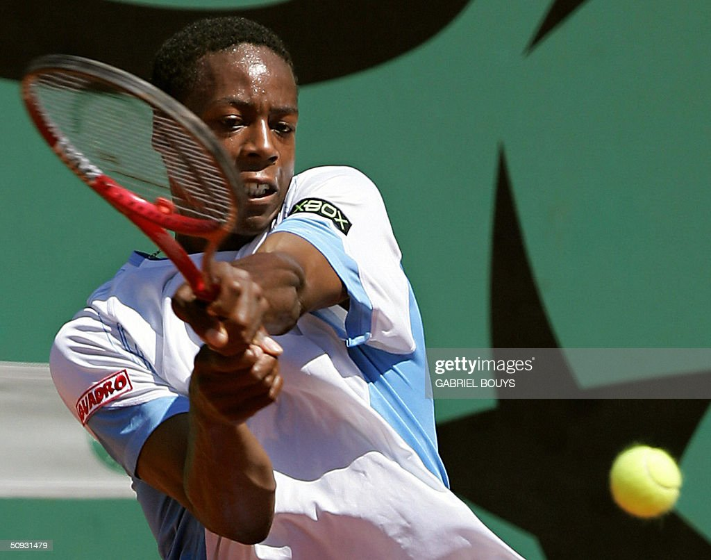 French Gael Monfils hits a shot to US Alex Kuznetsov in the junior's final during the French Open at Roland Garros in Paris 06 June 2004.