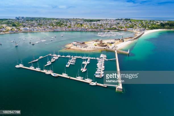 france from the sky : camaret sur mer - camaret sur mer photos et images de collection