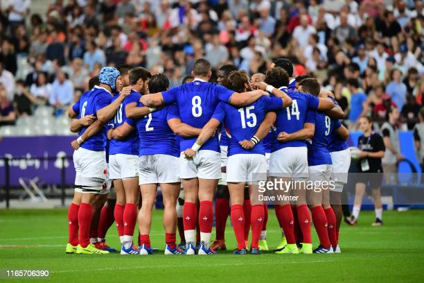 France go into a huddle before the international friendly match between France and Italy on August 30 2019 in Paris France