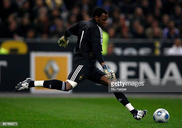 France goalkeeper Steve Mandanda in action during the group 7 FIFA2010 World Cup Qualifier between France and Lithuania at Saint Denis Stade de...