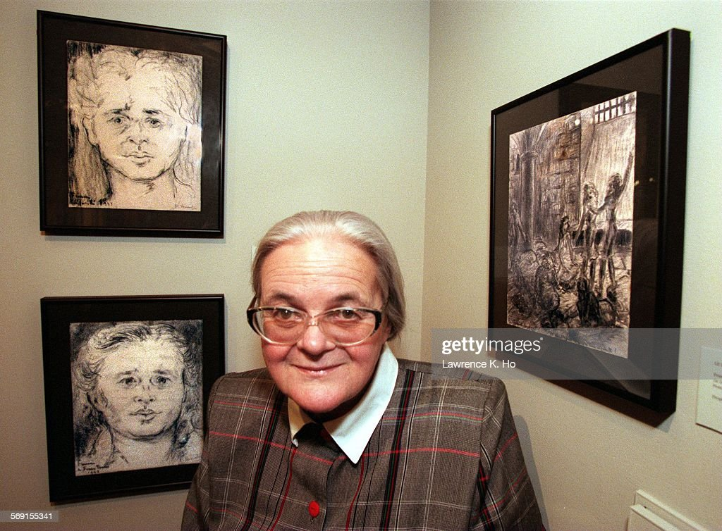 CA.HAMELIN.#2.LH.041696. France Hamelin, a French artist who survived the Holocaust. She is one of t : Photo d'actualité