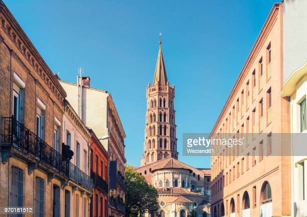 france, haute-garonne, toulouse, old town, basilica of saint sernin - toulouse stock pictures, royalty-free photos & images