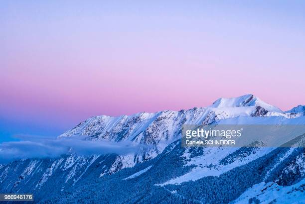 france, hautes pyrenees, aure valley, piau engaly ski resort - オートピレネー ストックフォトと画像