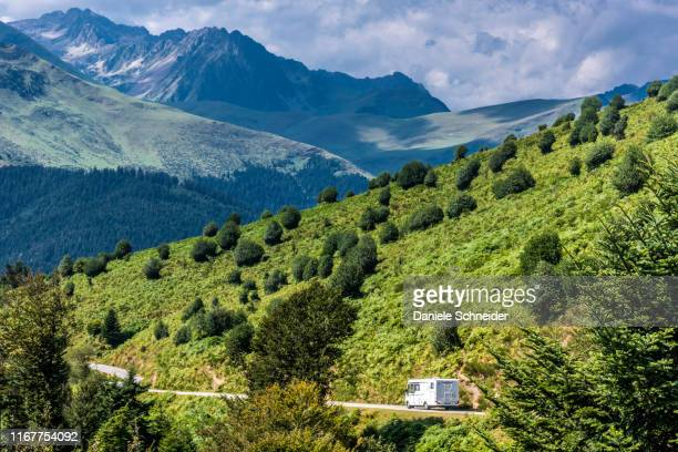 france, hautes pyrenees, col d'aspin (1489 meters high) between the vallee d'aurre and the vallee de campan, descent towards payolle - hautes pyrenees stock pictures, royalty-free photos & images