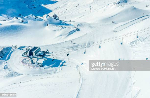 france, hautes pyrenees, la mongie ski resort, slope and chairlift - hautes pyrenees stock pictures, royalty-free photos & images