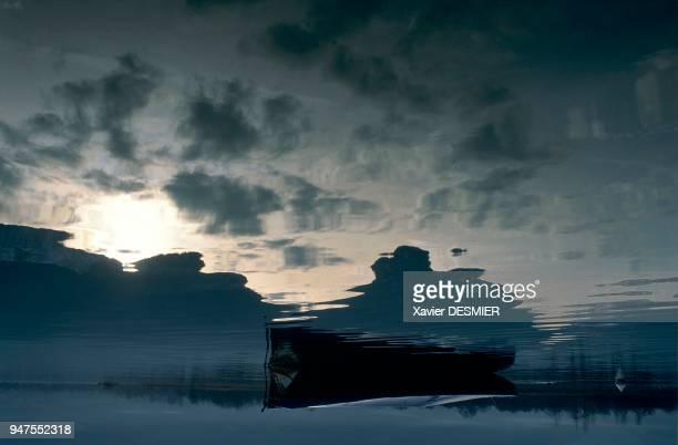 France HauteSavoie Le lac d'Annecy HauteSavoie Alpes France Le petit lac en hiver Le lac d'Annecy est une succession d'horizons montagnards qui lui...