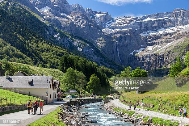 france, hautes-pyrenees, gavarnie - pyreneeën stockfoto's en -beelden