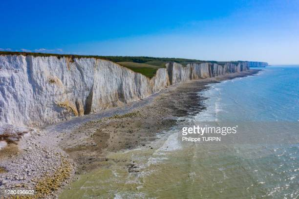 france, hauts de france, somme. somme baie. ault - chalk rock stock pictures, royalty-free photos & images