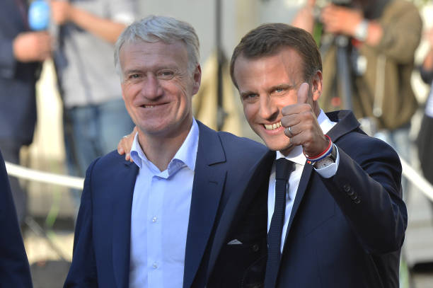 FOOT MASCULIN COUPE DU MONDE 2018 - Page 36 France-head-coach-didier-deschamps-and-french-president-emmanuel-as-picture-id1000317858?k=6&m=1000317858&s=612x612&w=0&h=naNysbSJtaiGOTvFDPU1lfTDeF24KzAc5JfZS3rh_xg=
