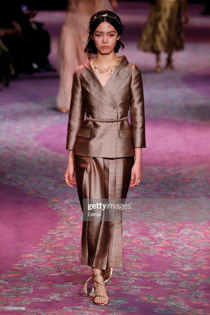 Dior : Runway - Paris Fashion Week - Haute Couture Spring/Summer 2020 : ニュース写真