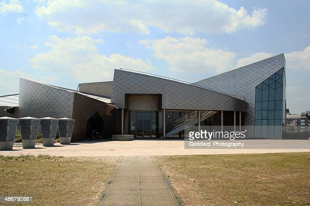 france: juno beach centre at courseulles-sur-mer - juno beach normandy stock pictures, royalty-free photos & images