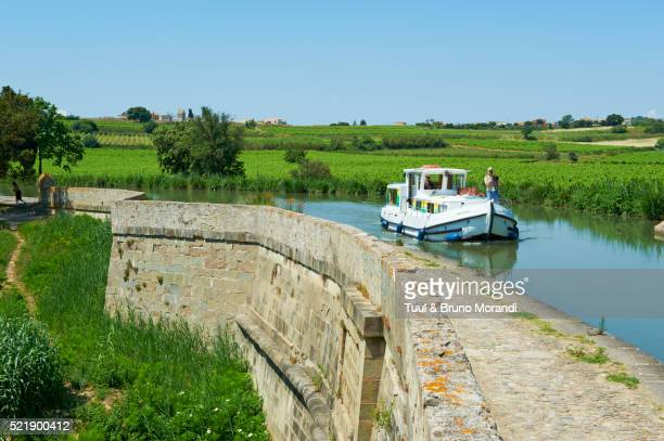 france, languedoc-roussillon, aude (11), paraza, canal bridge of répudre - canal du midi photos et images de collection