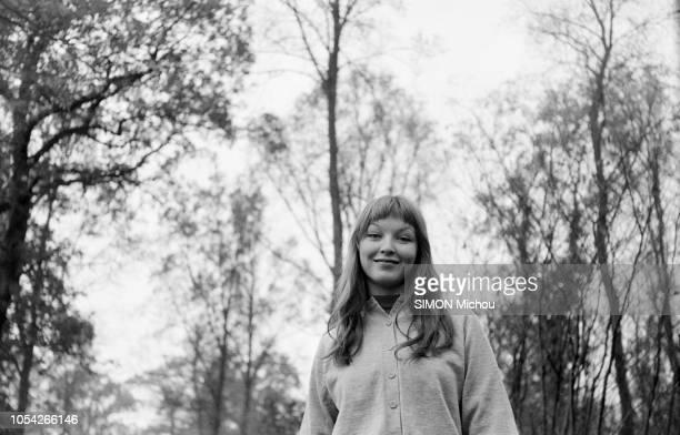 France mai 1955 L'actrice française Marina VLADY est la star la plus jeune et la plus connue d'Europe Son 17e film a coïncidé jour pour jour avec son...
