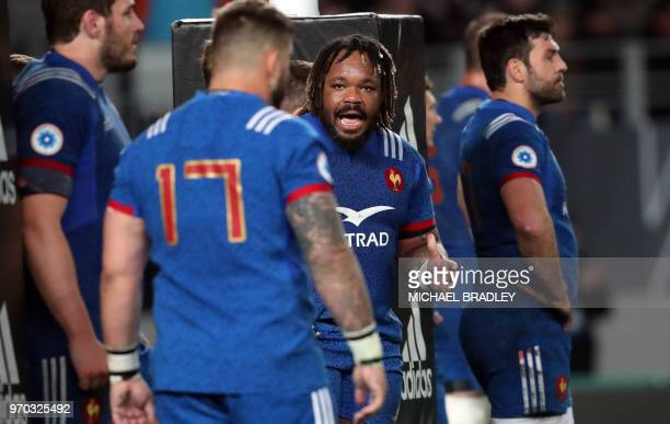 France Mathieu Bastareaud speaks to his team during the first rugby Test match between New Zealand and France at Eden Park in Auckland on June 9 2018
