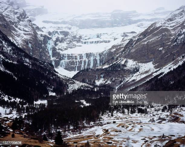 France, Mid Pyrenees, Hautes-Pyrenees, Cirgue de Gavarnie. Snow and ice in Febuary.