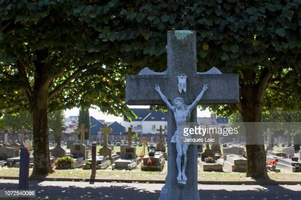 france, nantes, misericorde cemetery. - mausoleo fotografías e imágenes de stock
