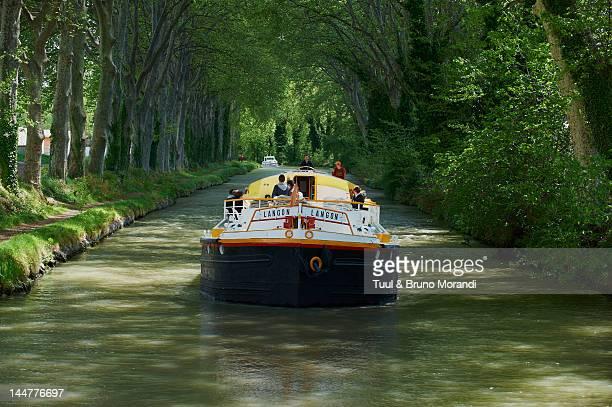 france, navigation on the canal du midi - canal du midi photos et images de collection