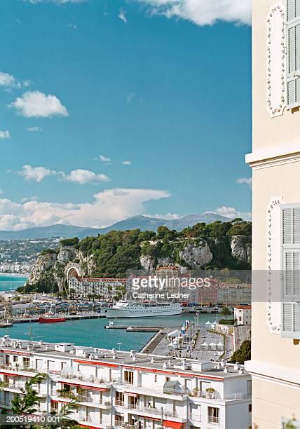 france, nice, harbour with cruise ship - paquebot france photos et images de collection