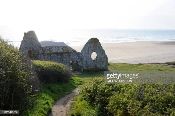 France, Normandie, Manche, presqu'ile du Cotentin, Carteret, chapelle en ruine.