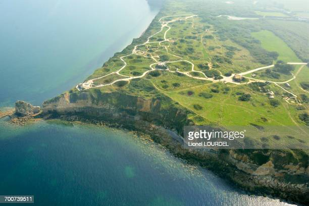 france, normandy, calvados, cricqueville-en-bessin, pointe du hoc, promontory with a 100 ft cliff. between omaha beach and god beach. d-day memorial (6 june 1944) - omaha beach stock pictures, royalty-free photos & images