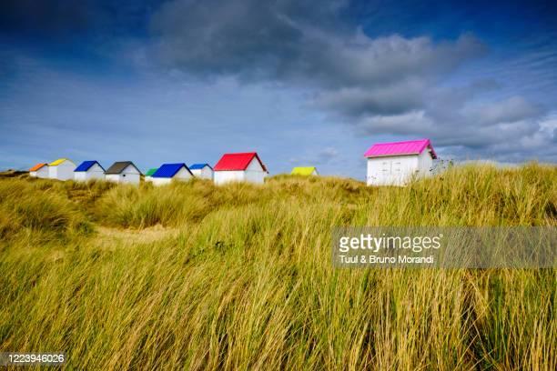 france, normandy, manche department, gouville-sur-mer, the beach huts of gouville - cotentin photos et images de collection