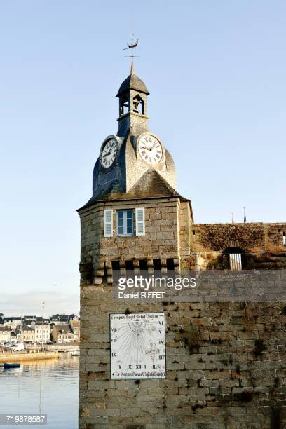 france, north-western france, brittany, concarneau, turret of the walled towns battlements, clock and weather vane - concarneau stock-fotos und bilder