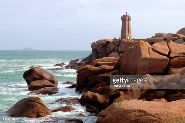 France, North-Western France, Brittany, lighthouse of Ploumanach, pink granite coast