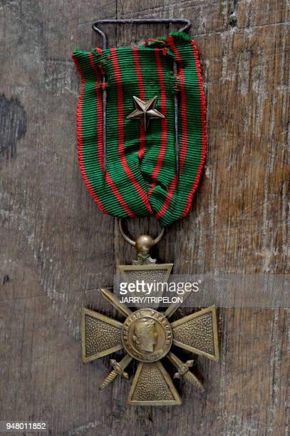 France objet en relation avec la guerre 19141918 decoration militaire Croix de Guerre