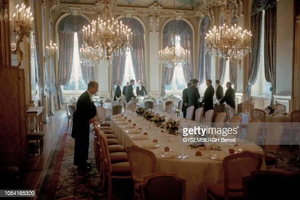 France Paris 27 novembre 1995 Gala annuel de la Fondation pour l'Enfance le déjeuner des premières dames au quai d'Orsay a lieu dans la grande salle...