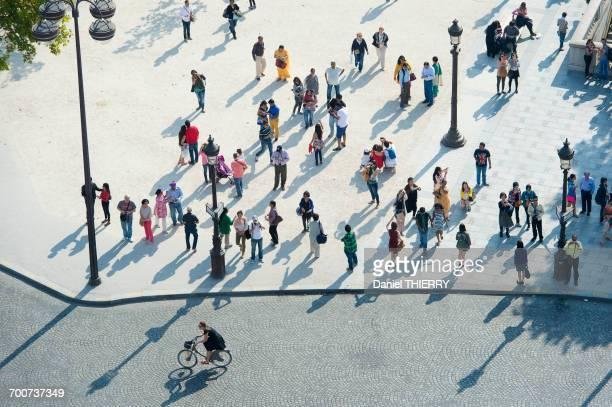 france. paris 8th district. champs elys_es avenue - pedestrian stock pictures, royalty-free photos & images