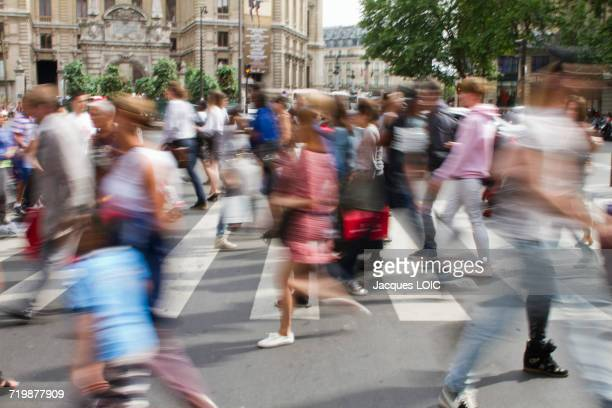France, Paris, 9th district, Boulevard Haussmann, pedestrians