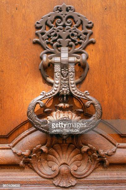 Paris a doorknocker in the Marais district between the 3rd and 4th arrondissements France Paris entre le 3ème et le 4ème arrondissement dans le...