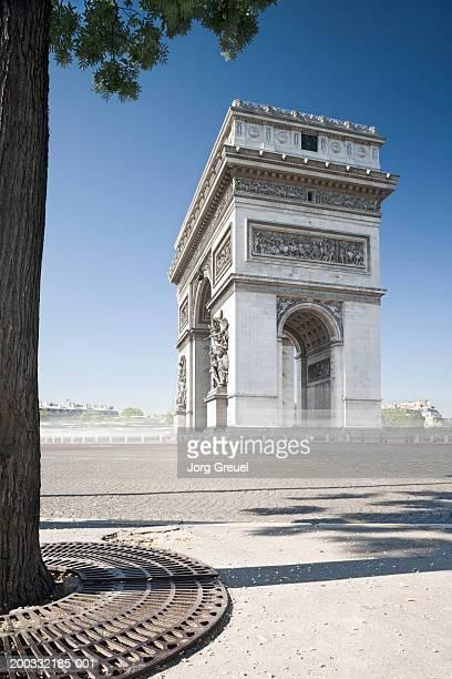 France, Paris, Arc de Triomphe (blurred motion)