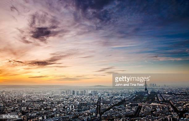 France - Paris: Beauty of Pollution