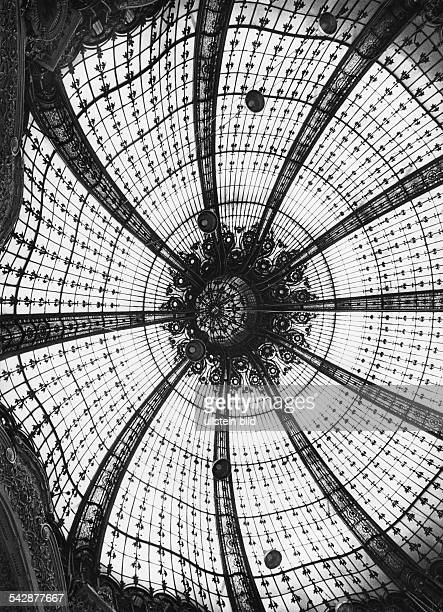 cupola in art nouveau at shoppingcenter Galeries Lafayette 2001