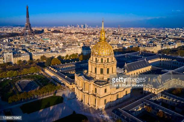 france, paris, invalides, saint-louis-des-invalides cathedral - les invalides quarter stock pictures, royalty-free photos & images
