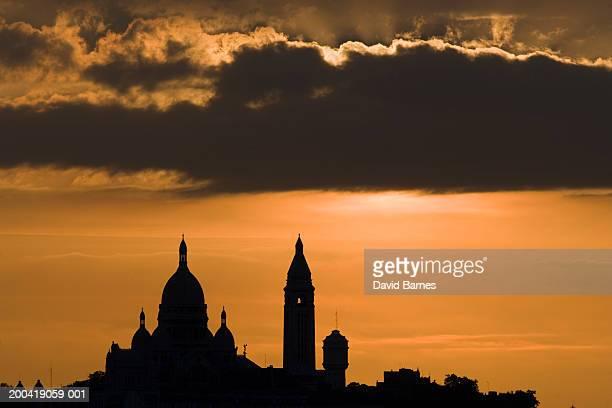 France, Paris, Montmartre, Basilique du Sacre Coeur at sunset