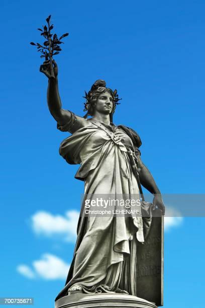 france, paris. place de la republique. statue of the republic. - place de la republique paris stock pictures, royalty-free photos & images