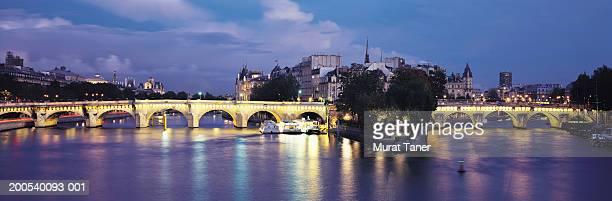 France, Paris, River Seine, Pont-Neuf, night
