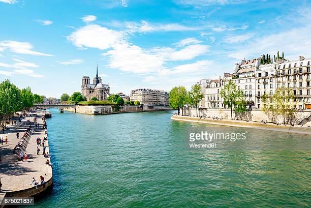 france, paris, seine river and notre-dame - fluss seine stock-fotos und bilder