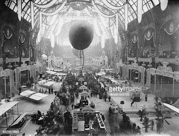 France; Paris; view into the first aeronautic exhibition at the opening day - 1909